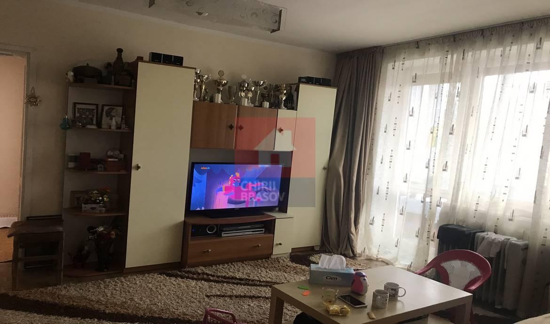Apartament 3 camere de vanzare Tractorul Brasov